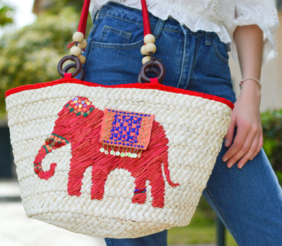 Custom-Embroidered-Gift- Ideas-for -Embroidered-Stylish-Bags